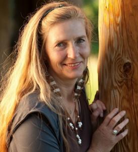 Alexandra Luppold - Artistic Mystic